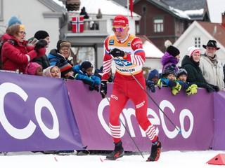 Rusi na Tour de Ski dominovali, na MS im však štátnu hymnu nezahrajú