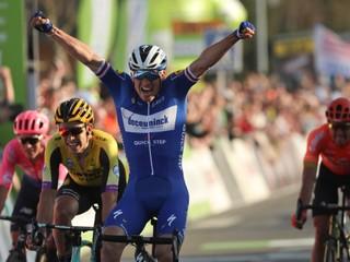 Sagan sa držal v skupine favoritov, o šancu na triumf ho pripravili technické problémy