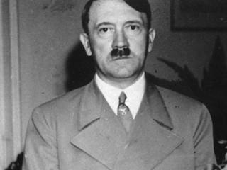 Škandál v Austrálii. Televízia doplnila do hľadiska Hitlera