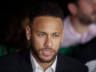 Polícia uzavrela vyšetrovanie Neymarovho znásilnenia modelky