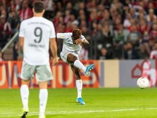 Bayern úspešne vykročil za obhajobou v pohári, debutoval Hernandez