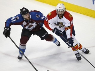 NHL: Jágr sa v produktivite vyrovnal Howovi, Pánik nehral