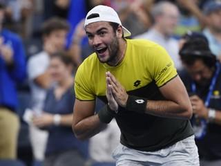 Taliansko má po 42 rokoch ďalšieho štvrťfinalistu US Open, Zverev nečakane vypadol
