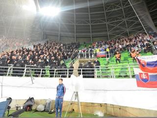 NAKA rieši muža, ktorý chcel zapáliť slovenský šál v zápase proti Maďarsku