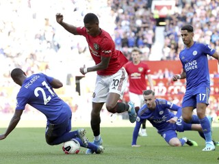 United si po troch zaváhaniach pripísal tri body, City senzačne podľahlo nováčikovi