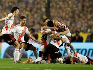 Prvým finalistom Pohára osloboditeľov sa stalo River Plate, v odvete zdolalo Bocu Juniors