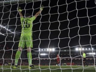 Desať gólov a penalty. Liverpool postúpil po divokom zápase