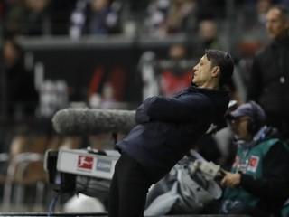Po drvivej prehre Bayernu sa objavujú informácie o možnej výmene trénera