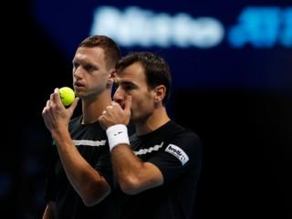Polášek s Dodigom získali prvý set na ATP Finals, nakoniec však zápas prehrali