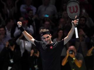 Federer zdolal Djokoviča a v Londýne postúpil do semifinále