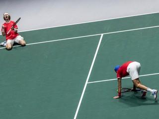 Rusi zdolali Srbov a postúpili do semifinále Davis Cupu