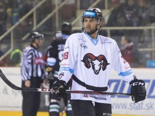 Bývalý hráč Banskej Bystrice obvinil trénera Calgary z rasizmu