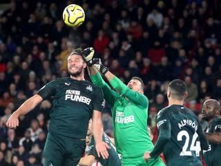 Dúbravka vychytal čisté konto, Arsenal opäť senzačne prehral