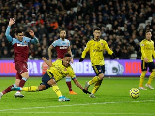 Arsenal ukončil sériu bez víťazstva, porazil West Ham