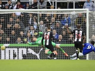 Dúbravka dostal dva góly, Newcastle podľahol Evertonu