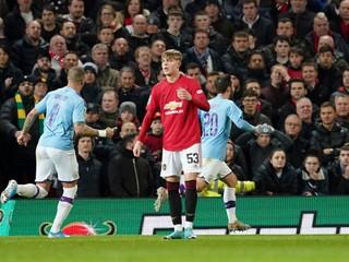 United nezvládol prvý polčas, manchesterské derby ovládlo City