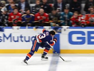 McDavid už nie je najrýchlejším hráčom v NHL, Chára naďalej drží svoj rekord