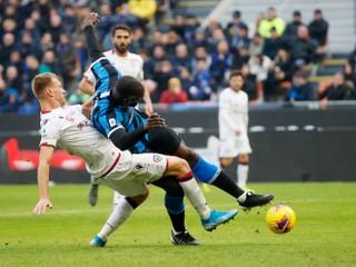 Škriniar musel striedať už v úvode, Lobotka bol pri výhre Neapola nad Juventusom