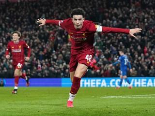 Liverpool sa vráti na osudový štadión. Nórsky kanonier privíta svoj vzor