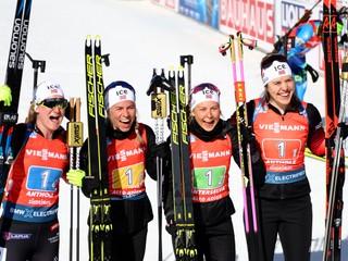Šampiónkami v štafete sa stali nórske biatlonistky, Slovenky skončili sedemnáste