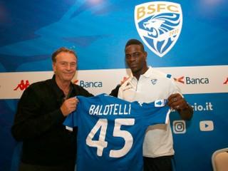 Balotelli prišiel na tréning po vyhadzove z klubu. Poslali ho preč