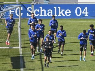 Hnev fanúšikov prekročil hranicu. Schalke 04 opúšťa šéf marketingu