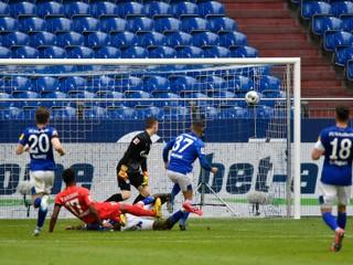 Lipsko deklasovalo Mainz, Werner strelil hetrik. Schalke sa po reštarte trápi