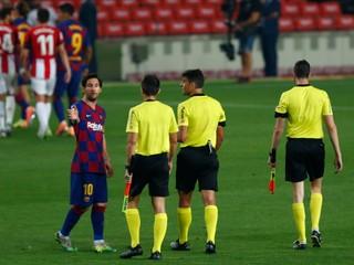 Messi strelil štýlový gól, Barcelona stratila body po kontroverzných penaltách