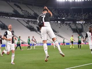 Dve penalty, dva góly. Ronaldo zariadil Juventusu bod, došlo aj k slovenskému súboju