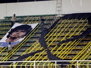 Maradona ich zdolal len raz. S loptou bol boh, bez lopty človek, hovorí Falcao