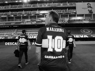 Každý mal na chrbte meno Maradona. Hráči Bocy Juniors vzdali hold legende