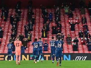 Po 271 dňoch sa dočkali. Arsenal podporilo dvetisíc divákov na tribúnach
