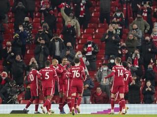 Už nekráčajú sami. Liverpool privítal divákov najvyššou výhrou v sezóne