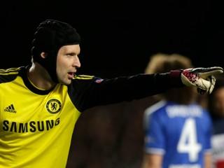 Petr Čech opäť nastúpil za Chelsea. Bol nervózny a dostal dva góly