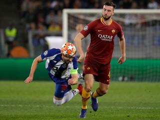 Hráč AS Rím sa po vlastnom góle rúhal Bohu, disciplinárka mu udelila trest