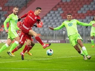 Lewandowski otočil zápas, Schalke 04 atakuje negatívny rekord súťaže