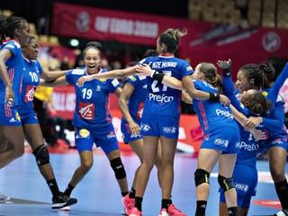 Francúzky nedali šancu Chorvátsku, vo finále ich vyzvú stopercentné Nórky
