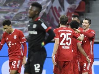 Leverkusen prvýkrát v sezóne v šlágri prehral, Bayernu pomohol Lewandowski