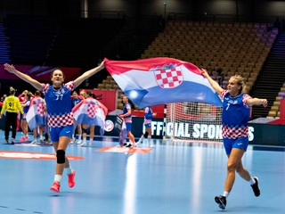 Domáce Dánky sú bez medailí, Chorvátky oslavujú historický bronz