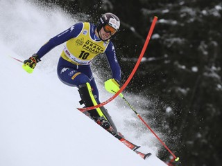 Prvé kolo vyhral Vinatzer, jeden z favoritov spadol. Slováci slalom vynechali