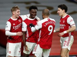 Víťazná séria Manchestru United sa skončila, v derby uspel Arsenal