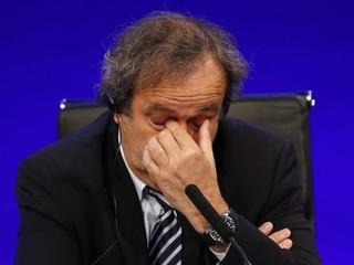 Platini sa rozčúlil: FIFA pravidlami opovrhuje, vysmieva sa im
