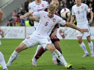 Česi a Islanďania postupujú na ME, Turci zdolali Holandsko 3:0