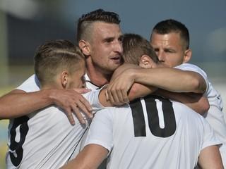 2. futbalová liga: Domáce tímy dominovali, hostia získali jediný bod