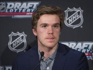 Porovnávajú ho s Crosbym. Najväčší hokejový talent je ako mních