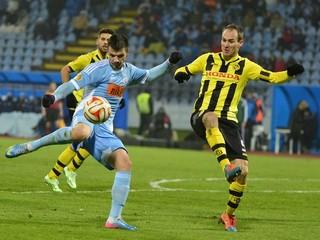 Halenár a Žofčák končia v Slovane, majster nepočíta ani s ďalšími deviatimi hráčmi