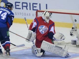 Bývalý najlepší strelec NHL Cheechoo prestúpil zo Záhrebu do Minska