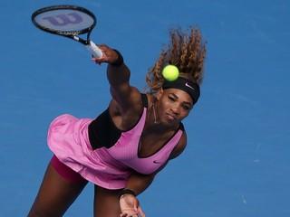 Serena a Na Li postúpili, Lisická vypadla