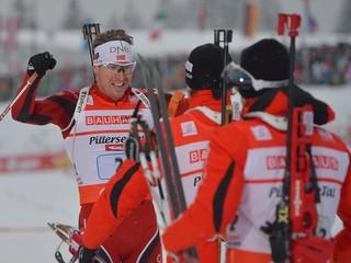 Biatlonisti skončili v štafete na 13. mieste