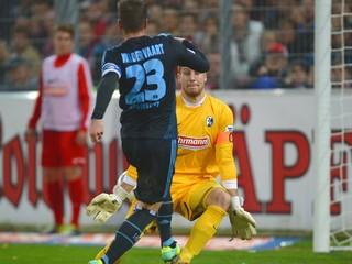 Tri veľké chyby brankára znamenali prehru Freiburgu 0:3